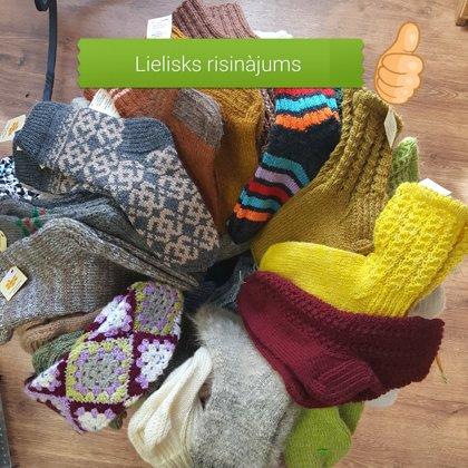 Adījumi-zeķes, cimdi, cepures,čības